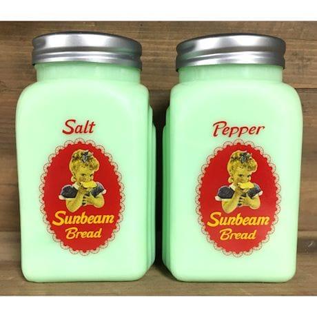 Sunbeam Bread Kitchen Accessories - Salt And Pepper Shakers