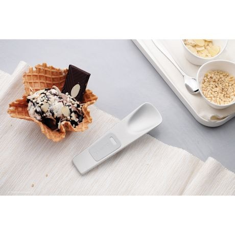 Body-Heat Ice Cream Spoon