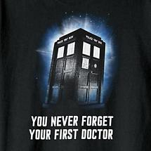 DR. WHO - NEVER FORGET YOUR FIRST DOCTOR T-SHIRT