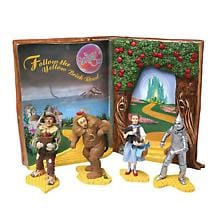 WIZARD OF OZ BOOK AND FIGURES